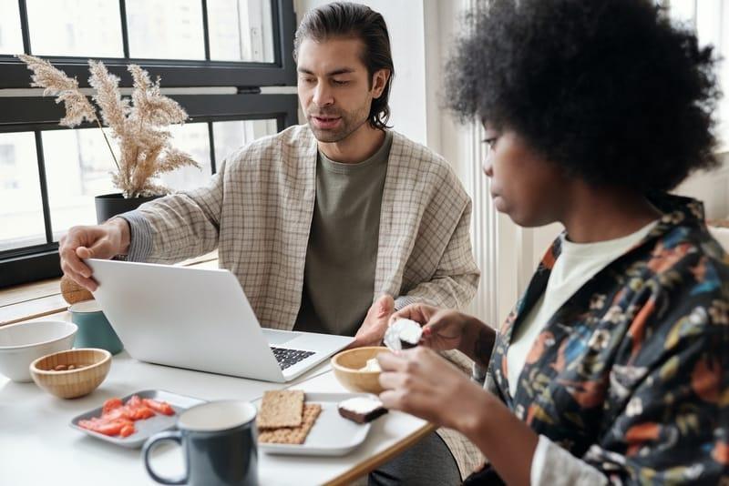 couple doing online finances